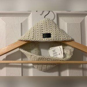 Vans White Knit Scarf